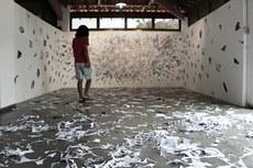 """""""Em Construção"""": exposição convida visitante a interagir com a arte."""
