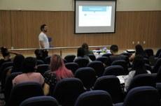 A programação conta com mesas redondas, conferências e apresentação de trabalhos.