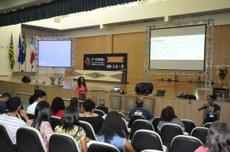 Na manhã de hoje (23), houve rodas de diálogo e apresentação de trabalhos orais/Libras.