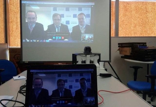Foto videoconferencia.jpg