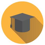 Ilustração: Sobre um círculo amarelo, um capelo (chapéu de formatura) preto.