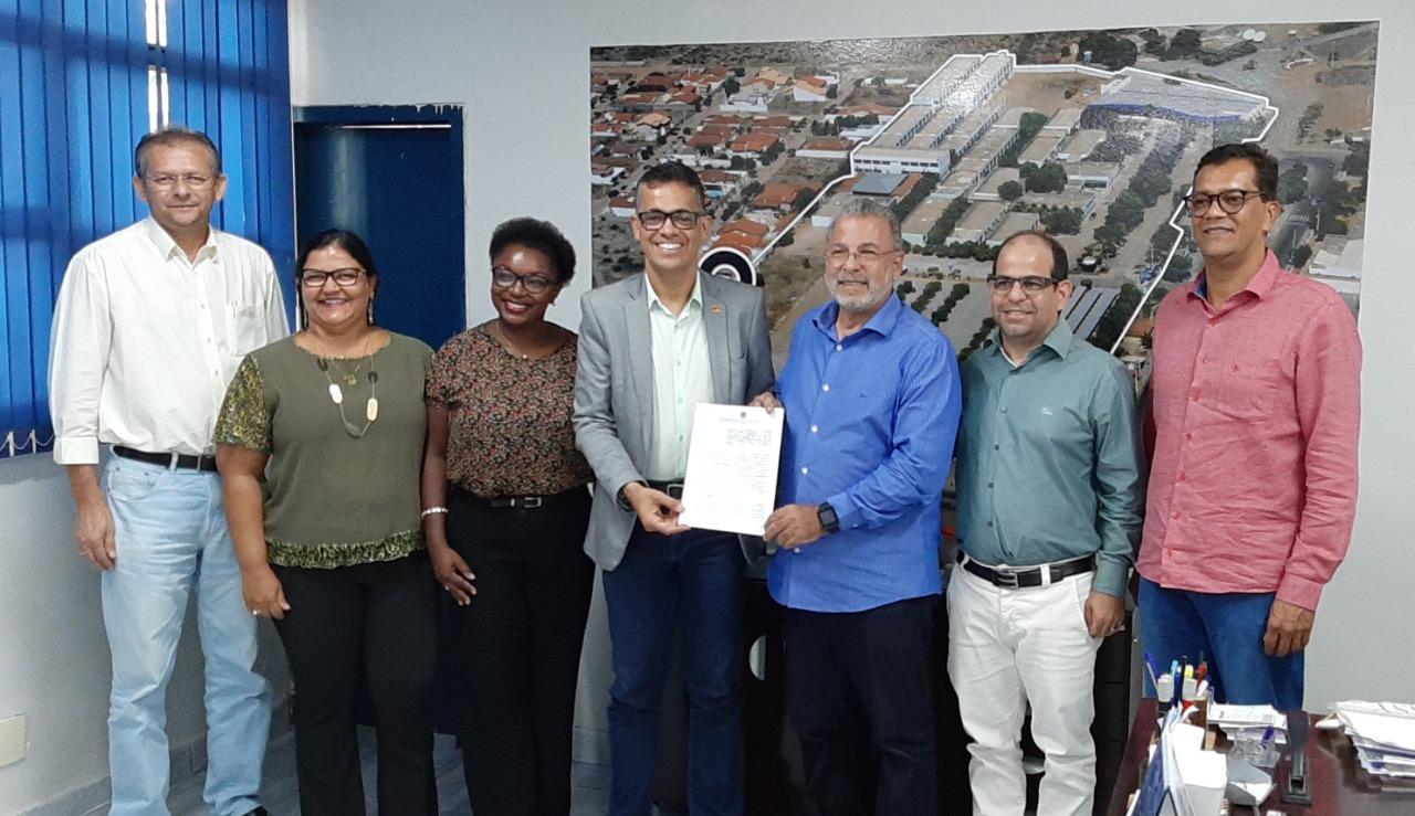 Univasf e Facape firmam parceria