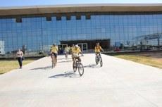 Servidores participarem de ciclismo no Integrar para Construir 2016